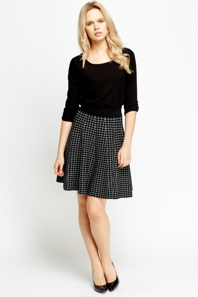 Elasticated Waist Grid Skirt