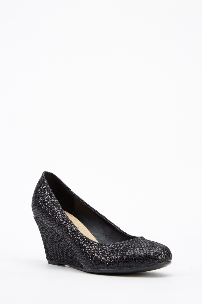 High Shine Black Wedge Shoes (SIZE 4)