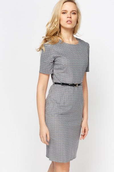 Houndstooth Printed Pencil Dress