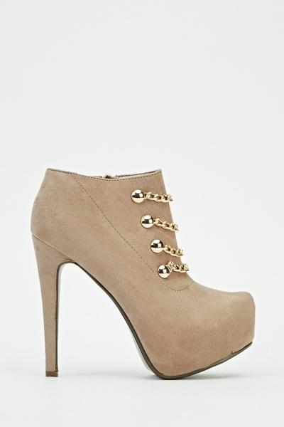 Chain Embellished Platformed Heel Boots