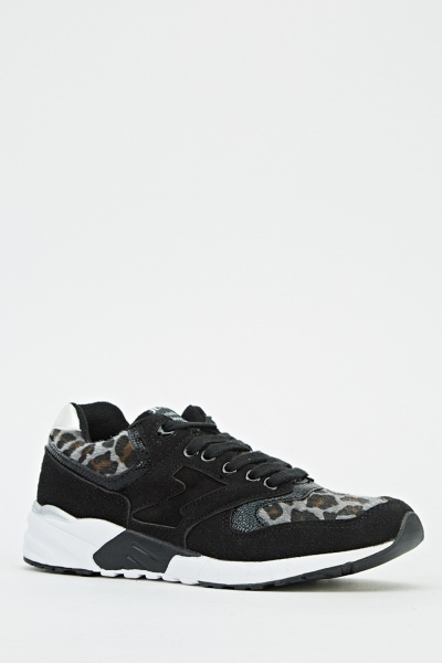 https://fiver.media/cdn-thumb/400x600/e5p/images/mu/2017/02/04/contrast-printed-low-top-trainers-black-50600-5.jpg