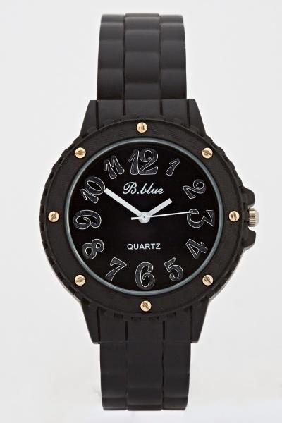 Image of Black Analog Matte Bangle Watch
