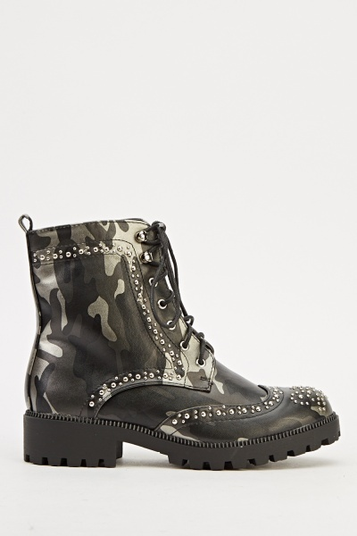 Camouflage Studded Boots
