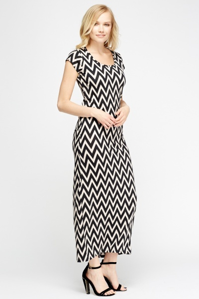 Zig Zag Printed Maxi Dress