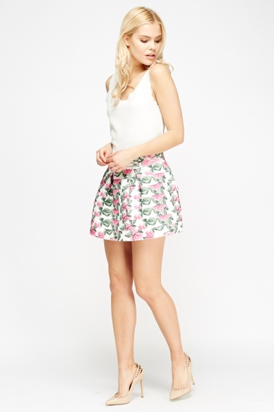White Floral Box Pleated Skirt