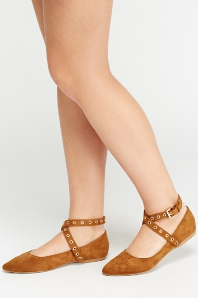 Buckled Cross Over Flat Shoes