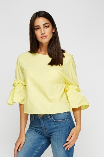 Frilled Sleeve Crop Top