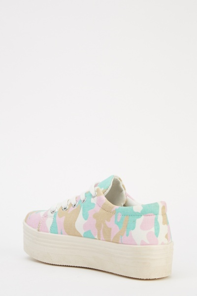 Camouflage Print Lace Up Shoes