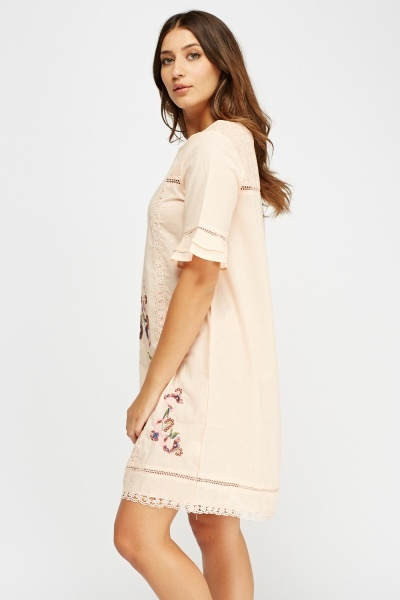 Embroidered Contrast Crochet Dress