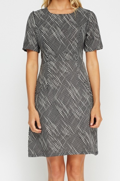 Printed Black Shift Dress