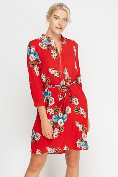 Simple & Chic Red Printed Tie Up Dress
