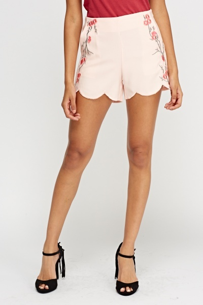 Embroidered Scallop Trim Shorts