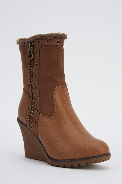 Zip Detail Wedged Boots