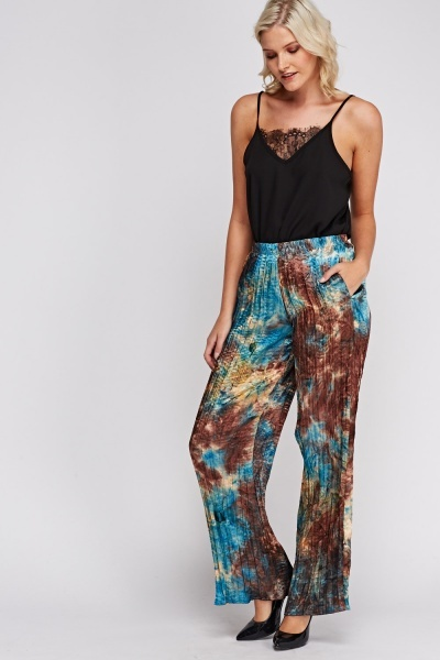 Pleated Wide Leg Printed Trousers