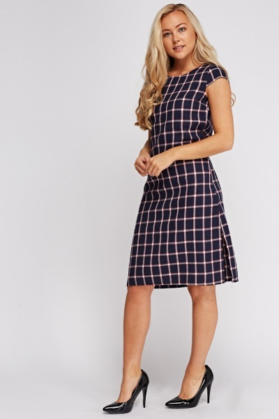 Checked Textured Short Sleeve Dress