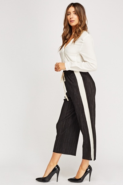 Pleated Lightweight Trousers