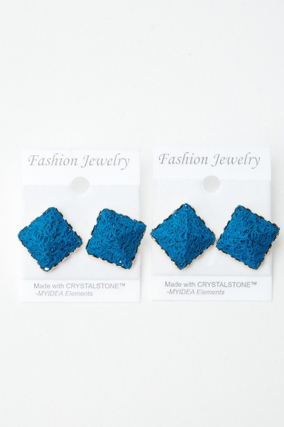 2 Pairs Of 3D Pyramid Stud Earrings
