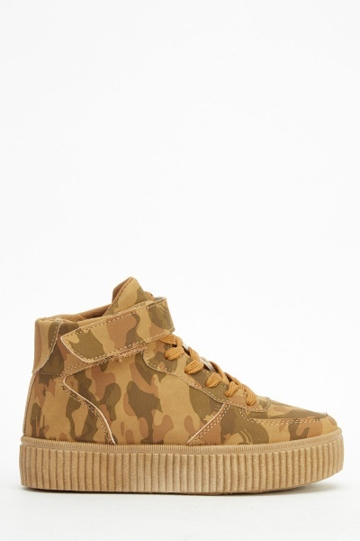 Flatformed High Top Camouflage Shoes