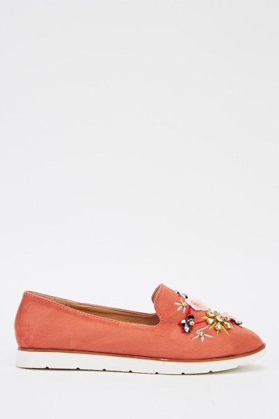 3D Embroidered Suedette Pumps