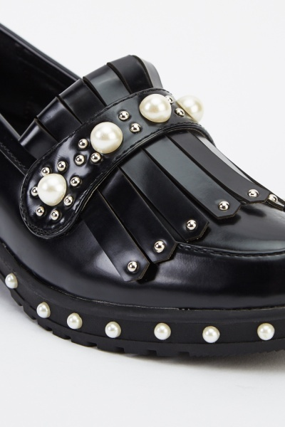 Faux Pearl Fringed Faux Leather Shoes
