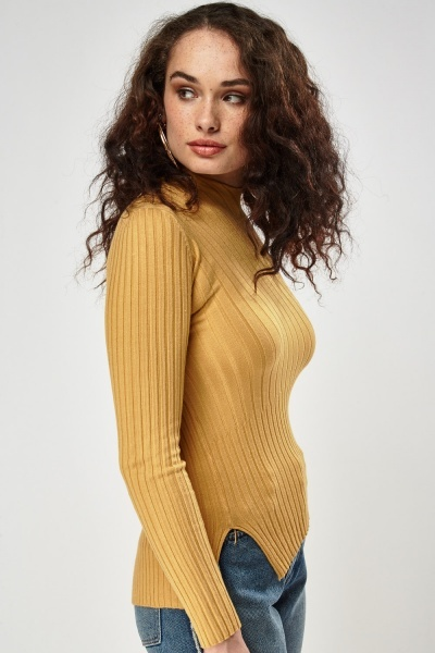 Ribbed Asymmetric Top