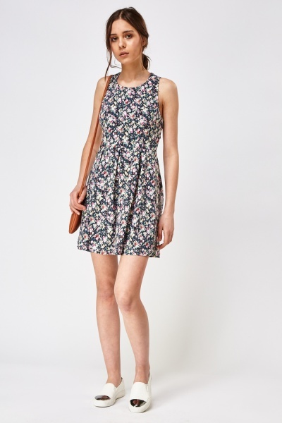 Detailed Back Printed Skater Dress
