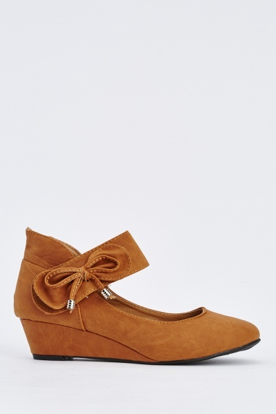 Bow Loop And Hook Wedge Shoes