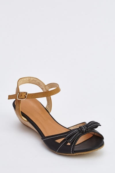 Bow Front Low Wedge Sandals
