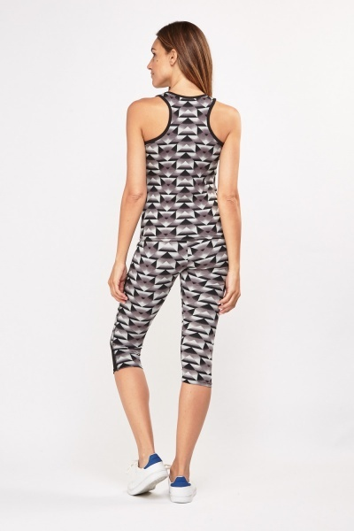 Illusion Print Sports Tank Top And Capri Leggings Set