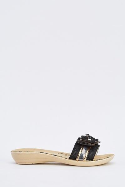 3D Detailed Flat Sandals