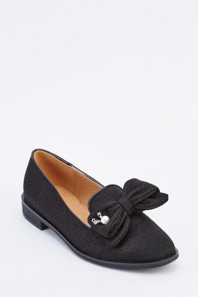 Bow Front Textured Shoes