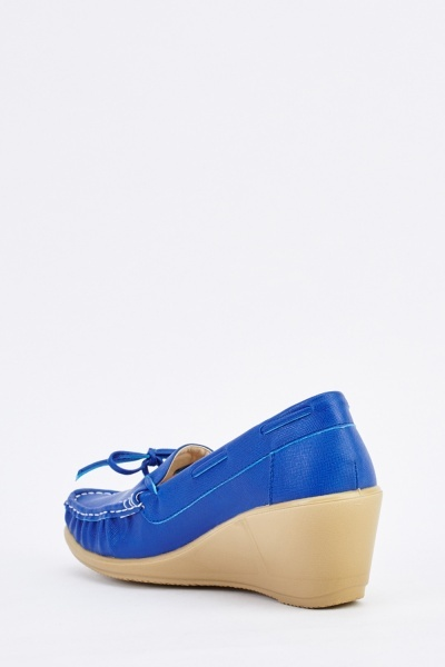 Bow Front Wedge Shoes