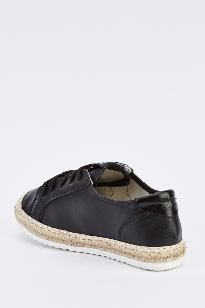 Star Detailed Lace Up Plimsolls