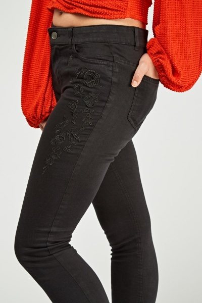 Embroidered Front Skinny Jeans