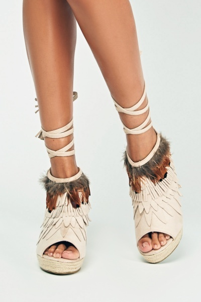 Fringed Suedette Detailed Wedge Shoes