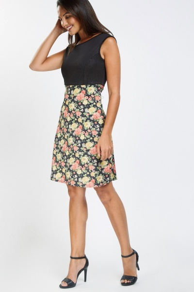 Contrasted Floral Print Shift Dress