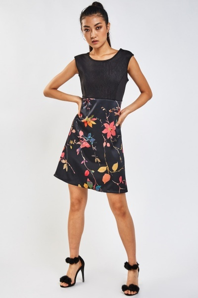 Floral Contrasted Shift Dress