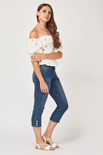 Mid Rise Fit Cropped Jeans