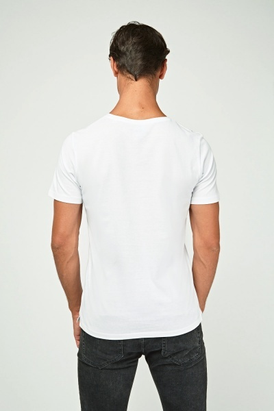 Round Neck Graphic T-Shirt