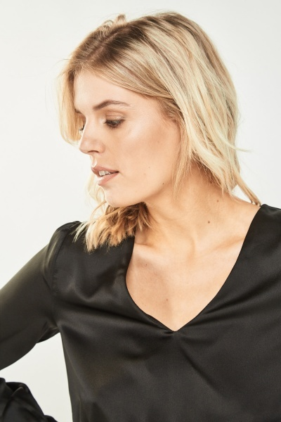 Cropped Silky Zipped Back Top
