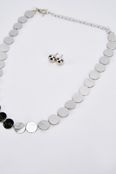 Metal Detailed Necklace And Earrings Set