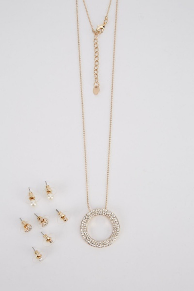 Pendant Necklace And Set Of 4 Studded Earrings Set