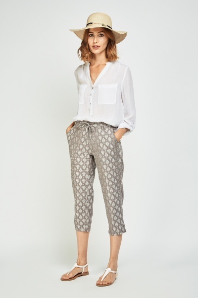 Ethnic Tile Print Crop Trousers