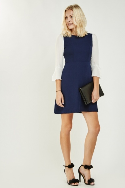 Contrasted Sleeve Shift Dress