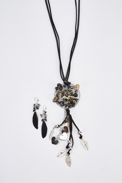 Embellished Detailed Dangled Necklace And Earrings Set