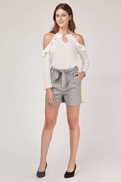 Contrasted Side Plaid Shorts