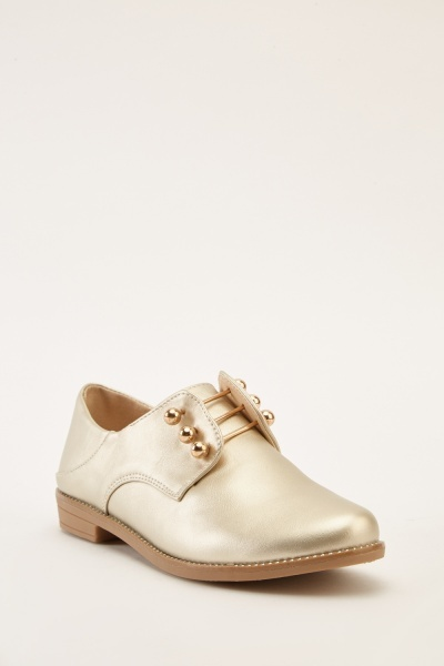 Front Detailed Metallic Shoes