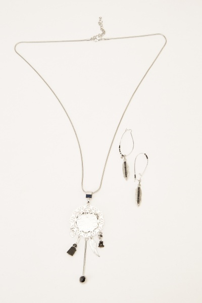 Embellished  Statement Necklace And Earrings Set