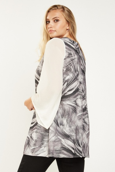 Printed Contrast Flare Sleeve Top