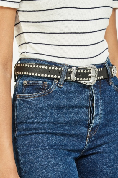 Metal Detailed Buckled Belt
